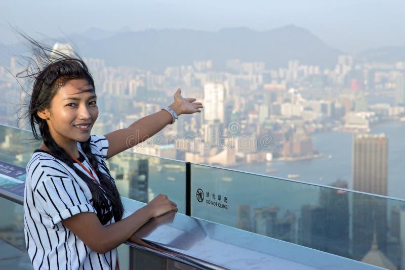 指向在香港的妇女 库存照片