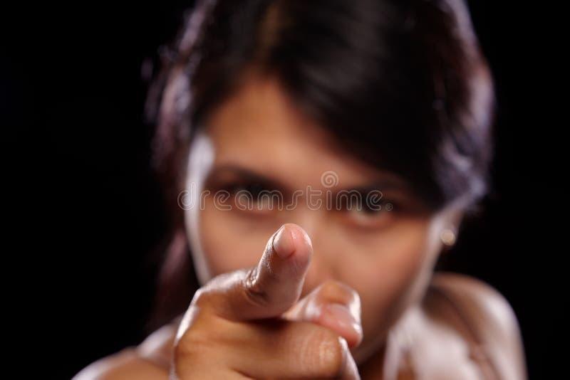 指向妇女的亚洲照相机 免版税图库摄影