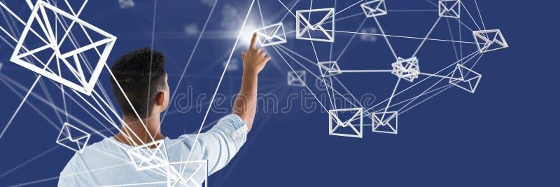 指向数字式电子邮件工具的人的综合图象 免版税库存图片