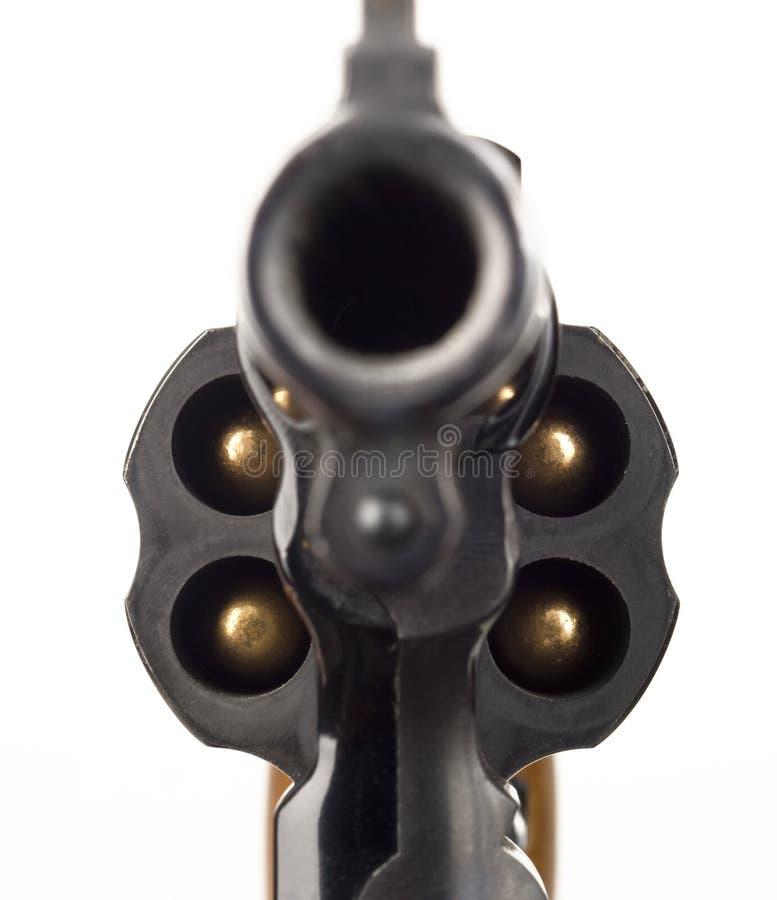 指向的左轮手枪38口径手枪被装载的圆筒枪管 库存图片