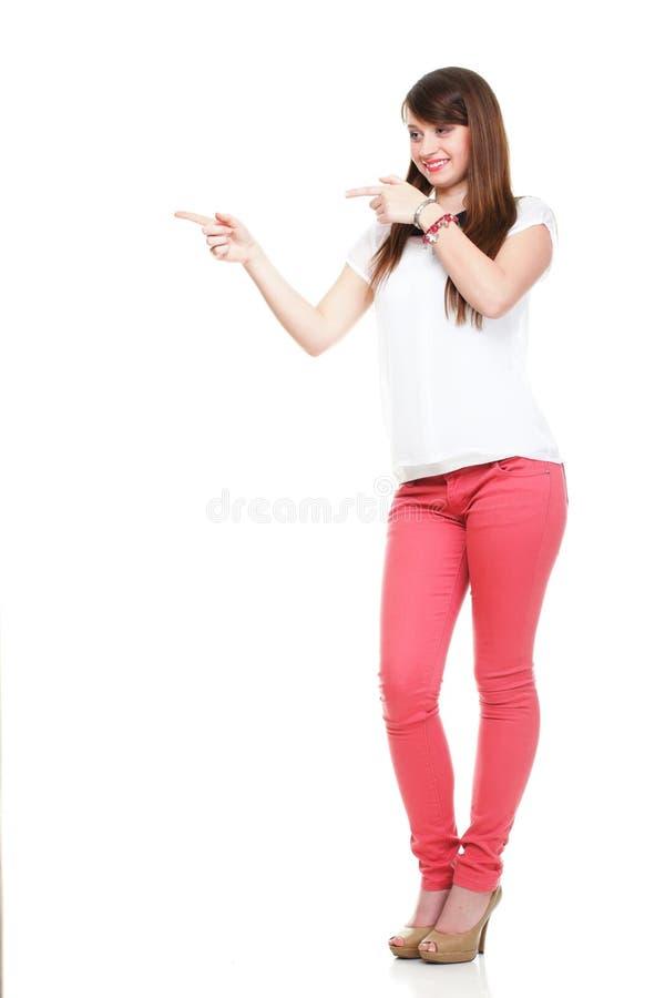 指向美丽的妇女站起来和 免版税库存照片