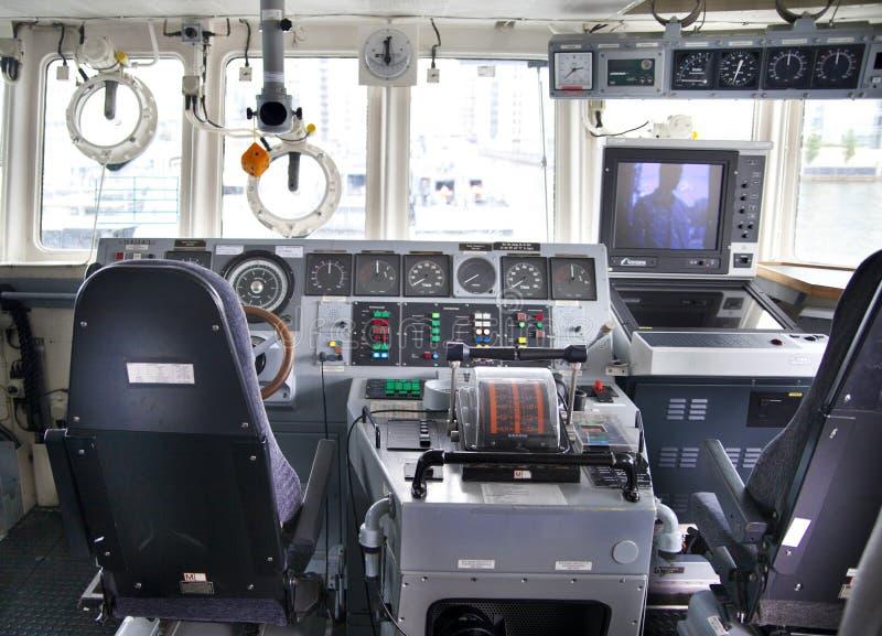 指挥在金丝雀码头唱腔根据的客舱军用船,伦敦 库存照片