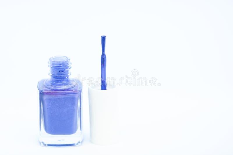 指甲油白色背景 指甲油涂层的耐久性和质量 胶凝体波兰现代技术 采撷颜色 库存图片