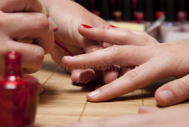 Download 指甲油红色 库存照片. 图片 包括有 沙龙, 现有量, 颜色, 方式, 藏品, 指甲盖, 手指, 红色, 妇女 - 15694402