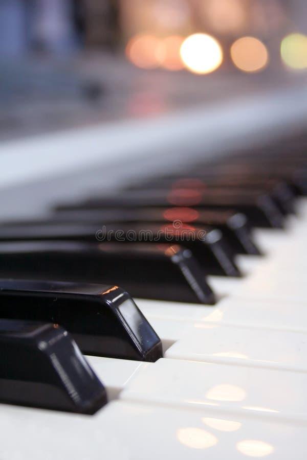 按钢琴 免版税库存图片