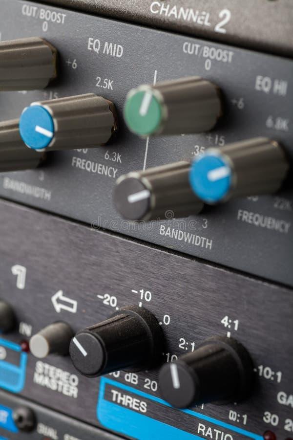 按钮在合理的演播室 库存图片