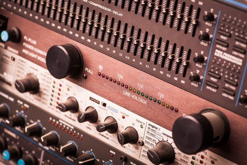 按钮在合理的演播室 免版税图库摄影