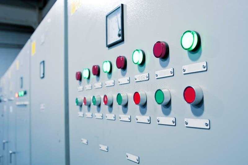 按钮机柜控制室 免版税库存图片