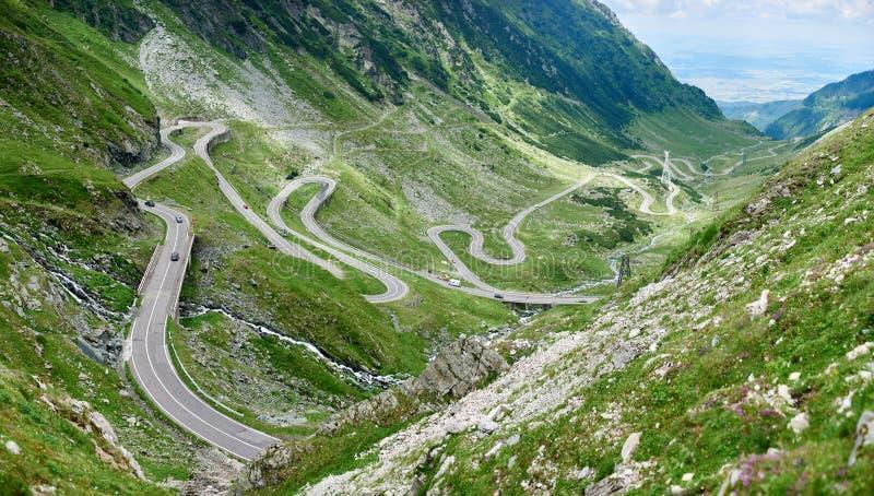 挑运在罗马尼亚Transfagarasan路风景 免版税库存照片