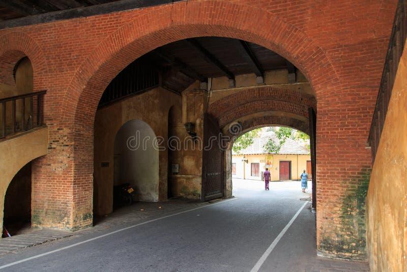 挖洞入口到加勒堡垒的老门,斯里兰卡 图库摄影