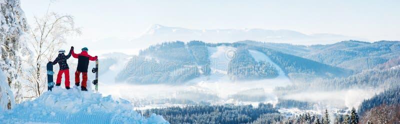 挡雪板结合身分在山顶部 库存图片