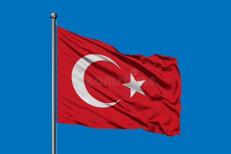 挥动在风的土耳其的旗子反对深天空蔚蓝 土耳其旗子 免版税库存照片
