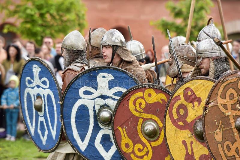 Download 挪威北欧海盗露天说明 图库摄影片. 图片 包括有 盔甲, 手套, 装甲的, 节日, 冲突, 臂章, 狂欢节 - 59111037
