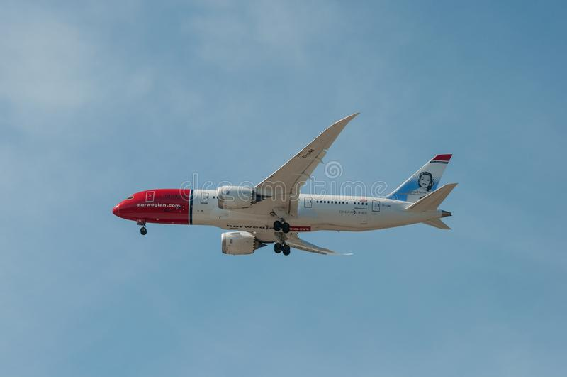 挪威空气梭波音787-8到达到哥本哈根凯斯楚普机场丹麦 图库摄影