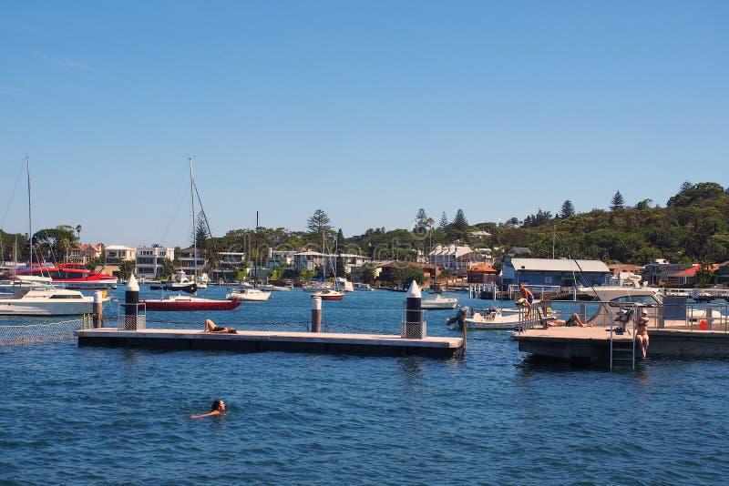 捕网的悉尼港口游泳池, Watsons海湾,澳大利亚 图库摄影