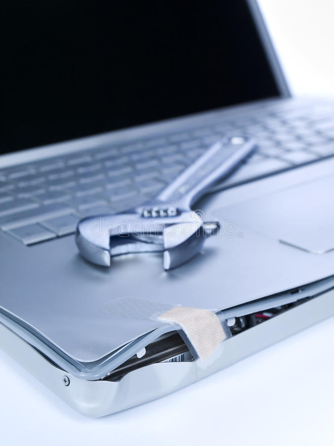 损坏的膝上型计算机 免版税库存图片