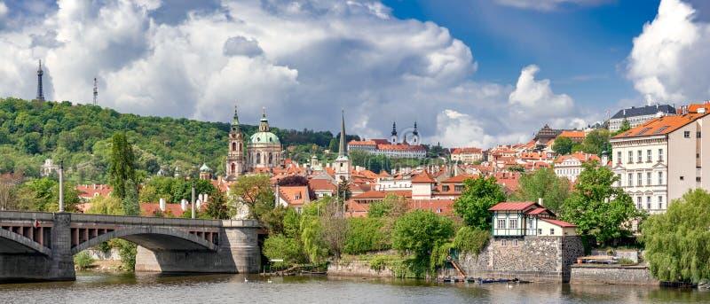 捷克布拉格欧洲城全景 免版税库存照片