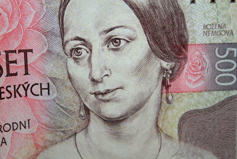 捷克细节加冠五百与鲍日娜・聂姆曹娃,著名捷克作家画象的钞票 免版税库存照片