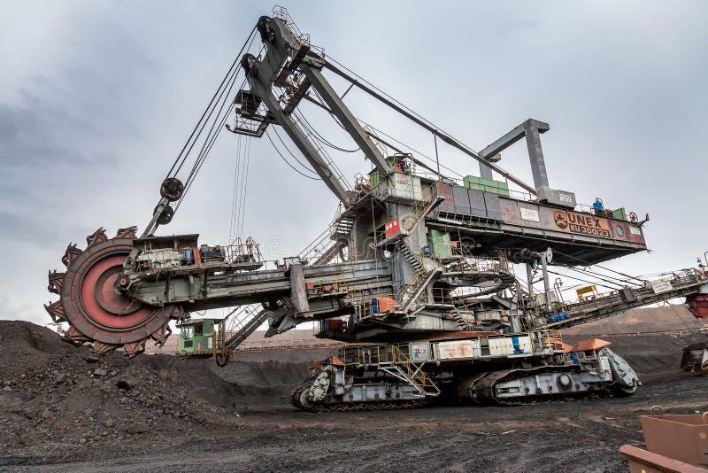 捷克,多数- 2015年9月23日:巨型戽头转轮挖土机,煤矿 库存图片