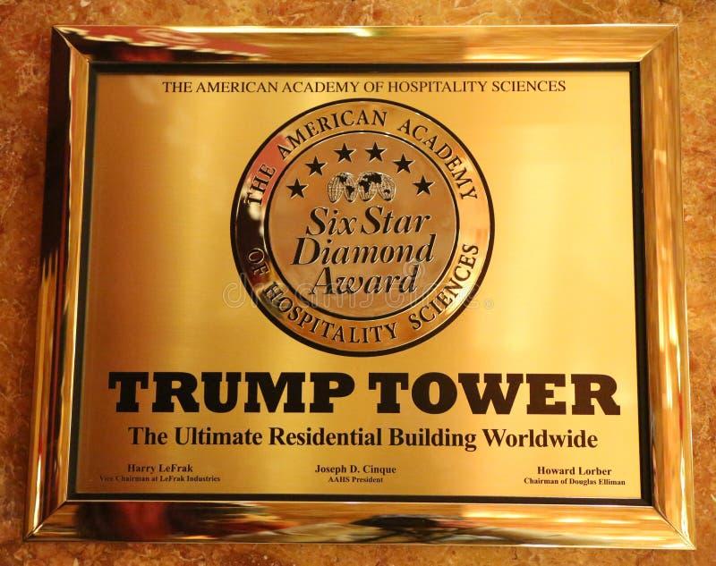 授予王牌塔六个星的匾由好客科学的美国学院在王牌显示的耸立 免版税库存图片