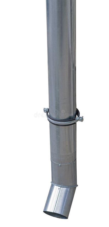 排泄在白色的雨水天沟落水管 免版税图库摄影