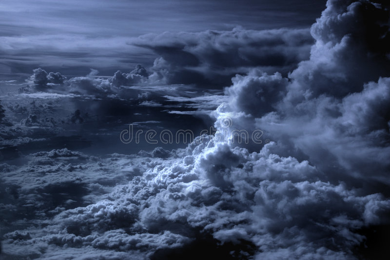 排行银的云彩 库存照片