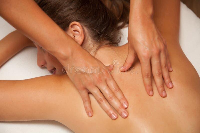 接受masage的妇女 免版税库存照片