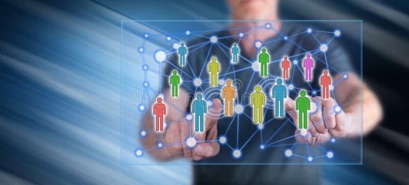 接触一个社会网络概念的人 免版税库存照片