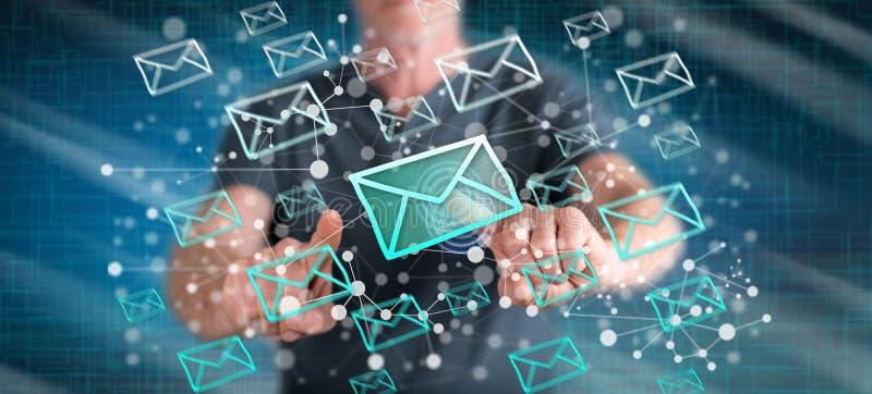 接触电子邮件概念的人 皇族释放例证
