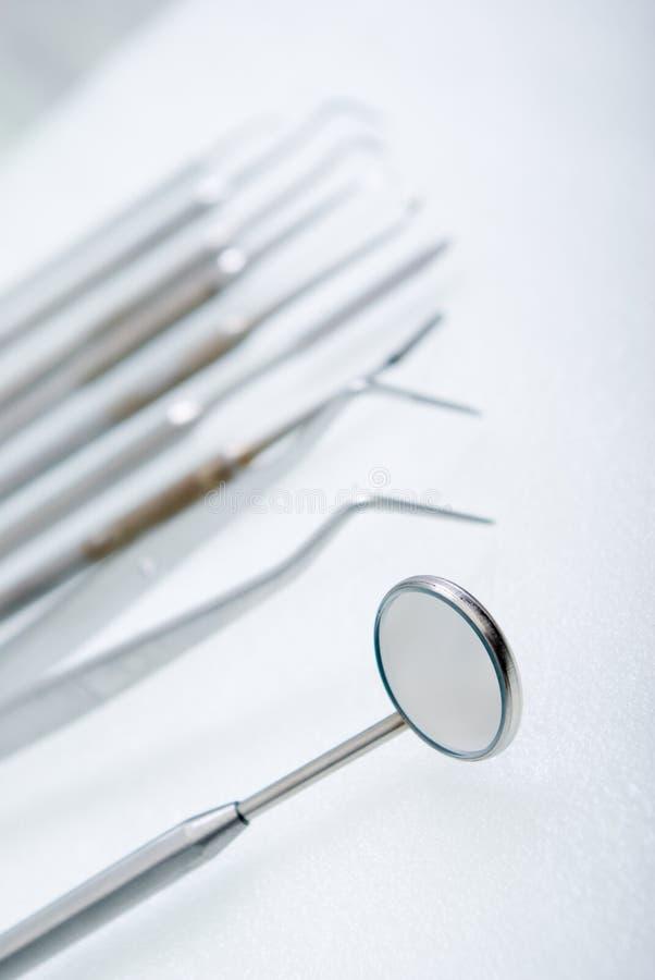 接近的牙齿仪器 免版税图库摄影