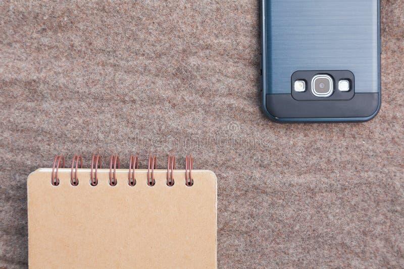 接近的笔记本smartphone 库存图片