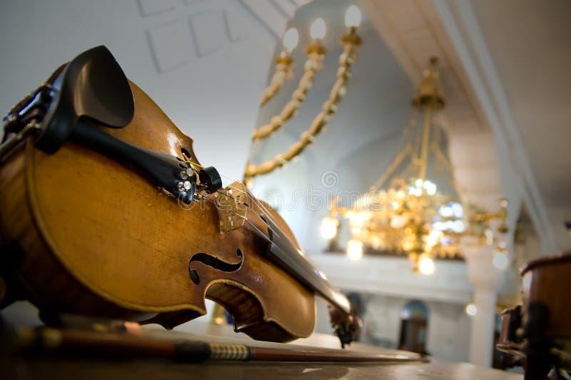 接近的老小提琴 免版税库存照片