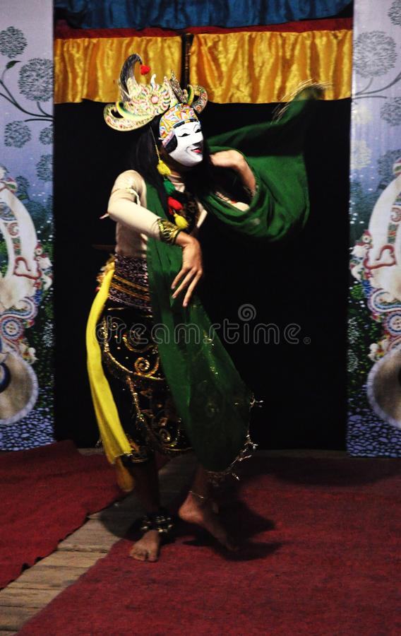 掩没从玛琅,东爪哇省,印度尼西亚的舞蹈 免版税库存照片