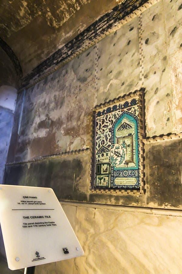 描述圣堂的第16个和17世纪伊兹尼克瓦片在圣索非亚大教堂 库存图片
