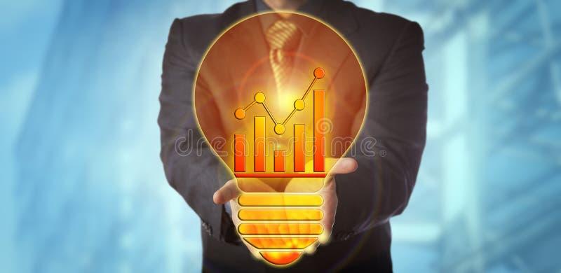提供收支成长的经理一个明亮的想法 免版税图库摄影