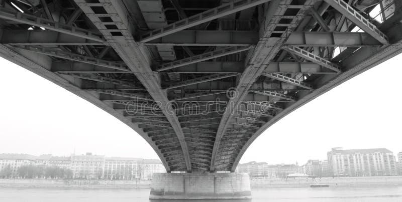 提取桥梁建筑钢下 图库摄影