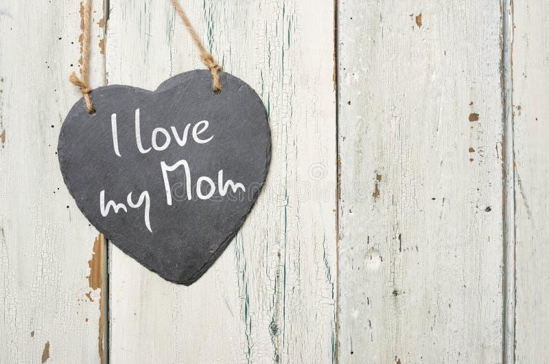 提名与我爱我的妈妈的题字的标志 免版税库存图片