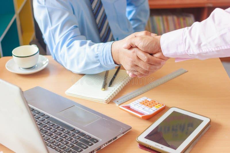 握手在会议上 免版税图库摄影