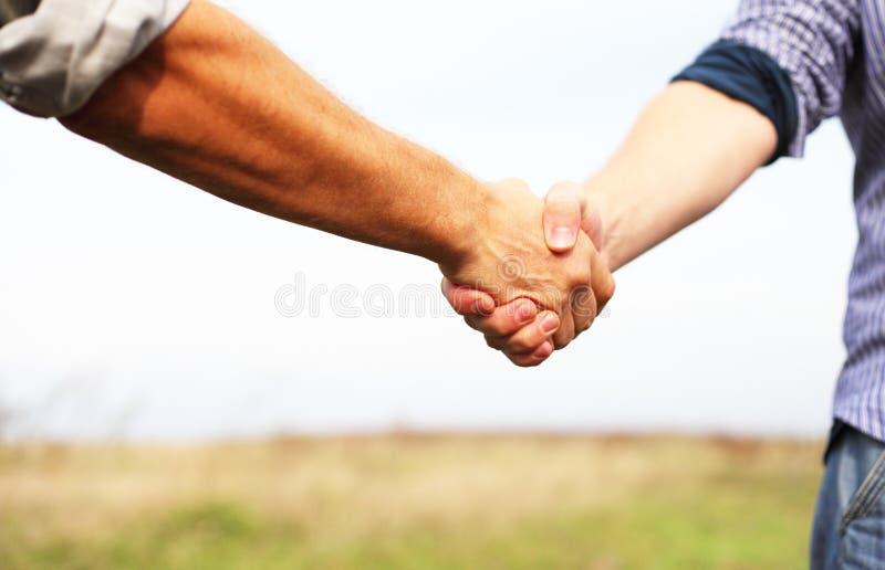 握手的人们 库存照片