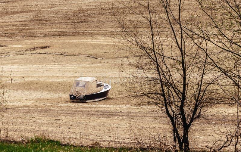 搁浅的小船瑞士 免版税图库摄影