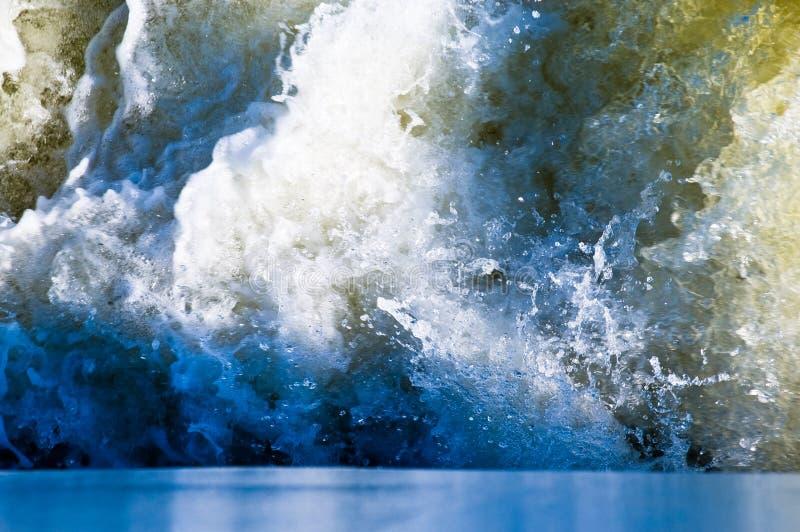 搅动的水 免版税库存图片