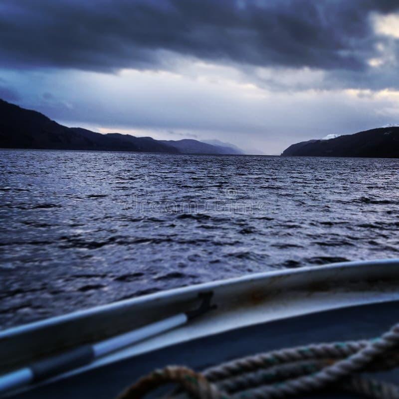 搜寻尼斯湖浊水,苏格兰 免版税库存照片