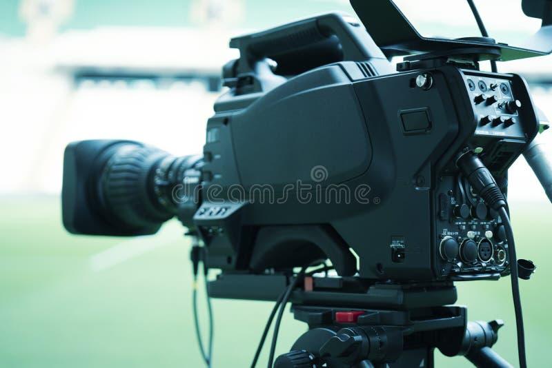 摄像头透镜-记录的展示在电视演播室-焦点 免版税库存照片
