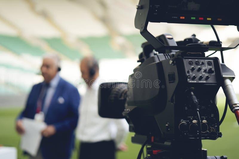摄像头透镜-记录的展示在电视演播室-焦点 免版税库存图片