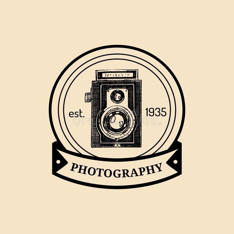 摄影商标 传染媒介葡萄酒老照相机标签,徽章,象征 递演播室的速写的例证,存放等 皇族释放例证