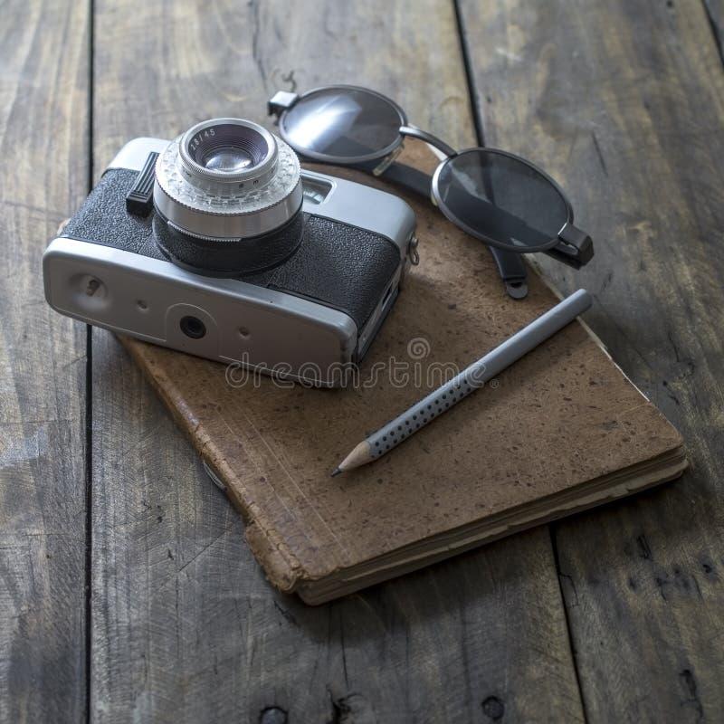 摄影师运转的书桌 库存图片
