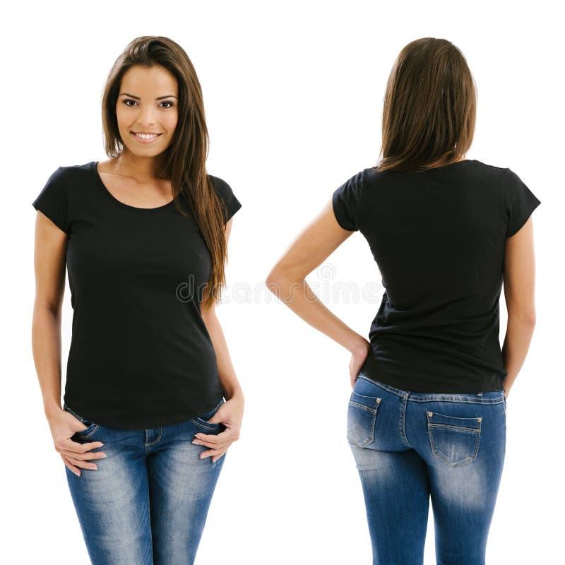 摆在与空白的黑衬衣的性感的妇女 库存照片