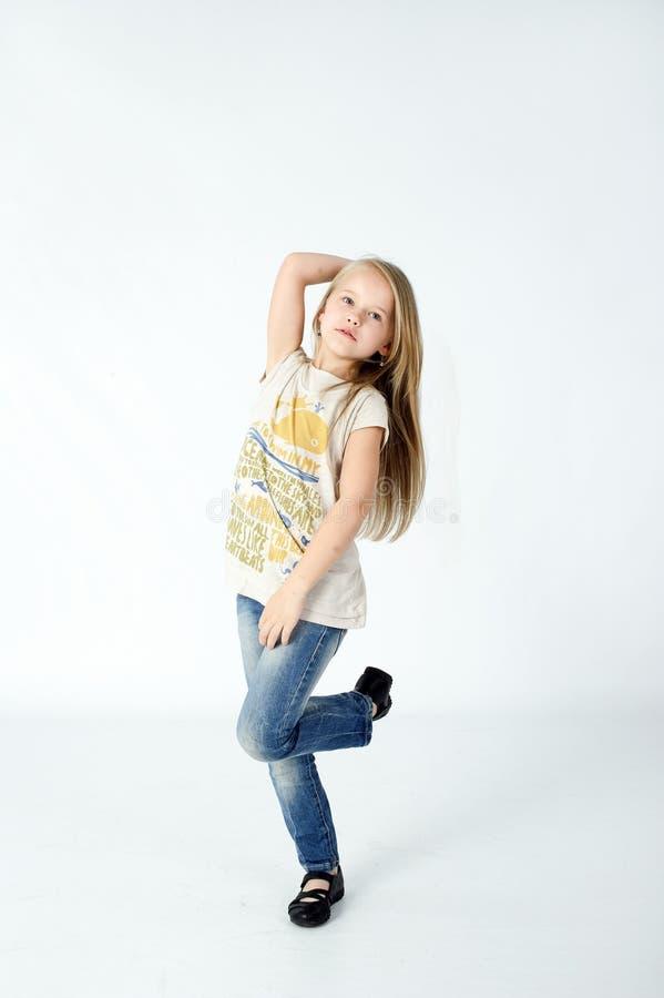 女孩跳舞在演播室 库存图片