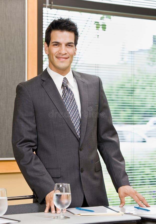 摆在空间的生意人会议 库存图片
