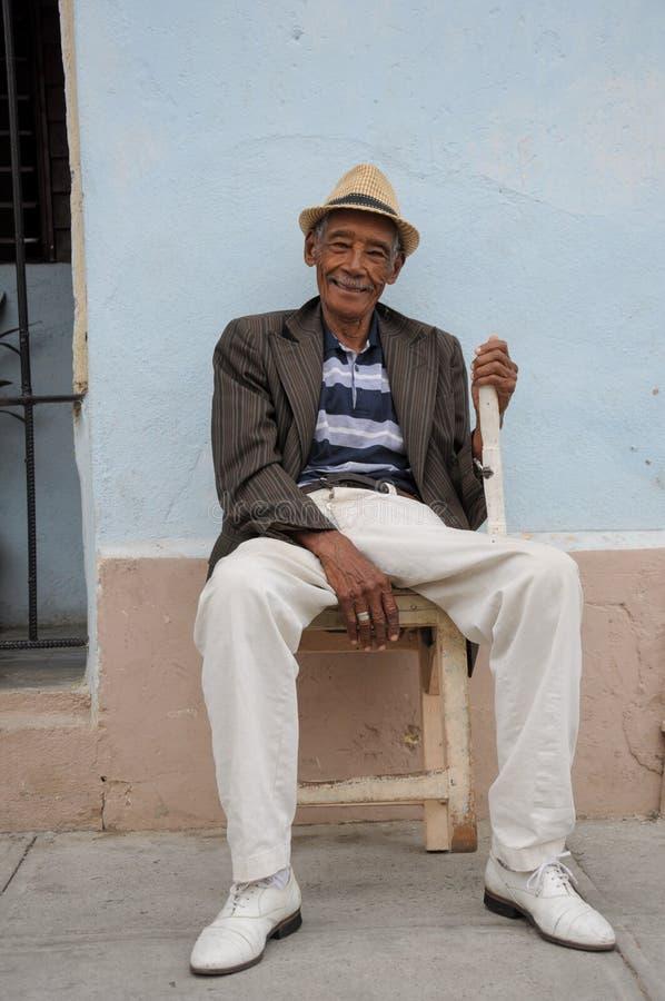 摆在p的西恩富戈斯,古巴- 2013 1月26日,古巴地方人 免版税库存图片